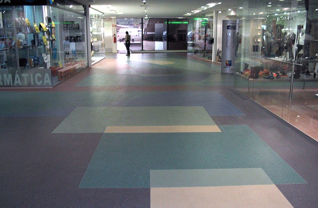 stonres rtz flooring in mall concourse